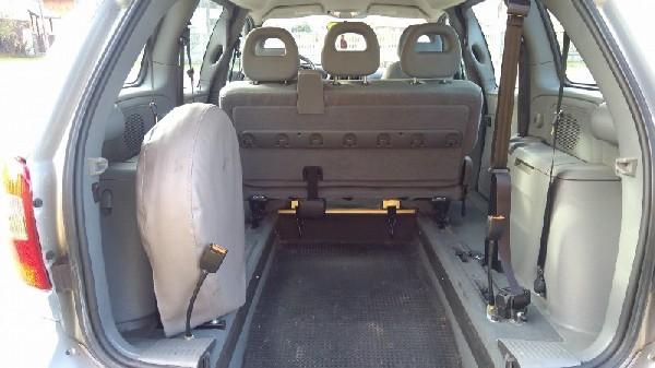 Chrysler Voyager Przystosowany Do Przewozu Osoby Niepełnosprawnej 3